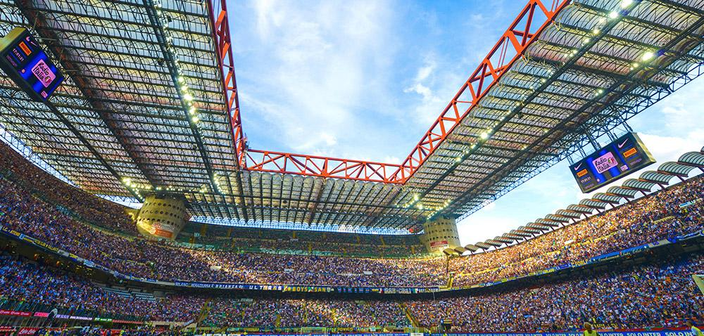 La curva – a certain type of fan